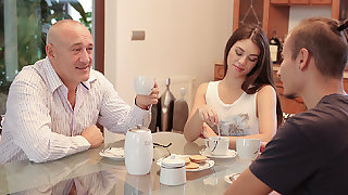 DADDY4K. Dad uses the chance be fitting of having shagging with...