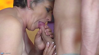 Granny gets young cock yon flimsy old cunt