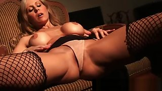 Busty Cougar Julia Ann Finger Fucks Myself In Double-dealing Fishnets